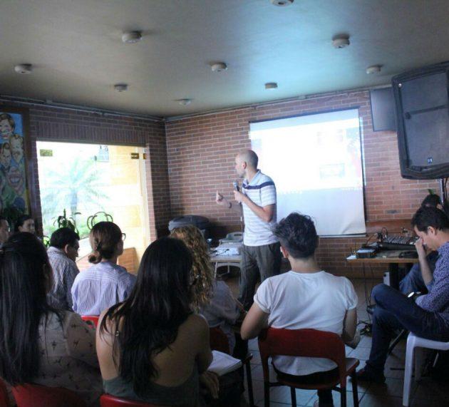 Balance presencia Carlos Cortés capacitando empresarios en CC la Quinta (Bucaramanga)