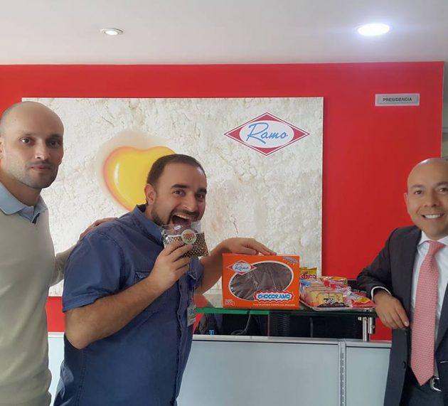 Carlos Cortés hablando de Innovación con el Presidente de Productos Ramo y Tuyo Isaza