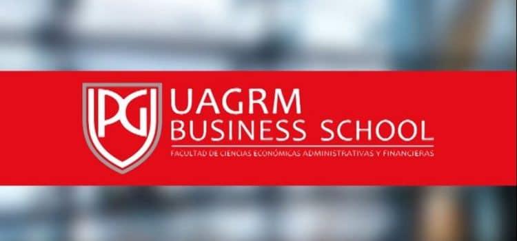 Carlos Cortés dando clase en la Maestría de la UAGRM Business School, Bolivia
